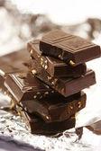 Lastra di cioccolato con dado — Foto Stock