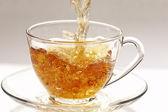 Ström av te — Stockfoto