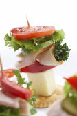 Mellanmål - ostsmörgås — Stockfoto