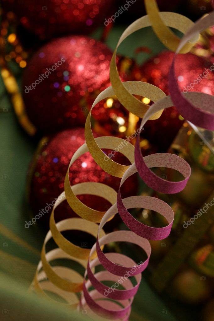 Xmas garland over on blury xmas decorated bal background — Stockfoto #1474340