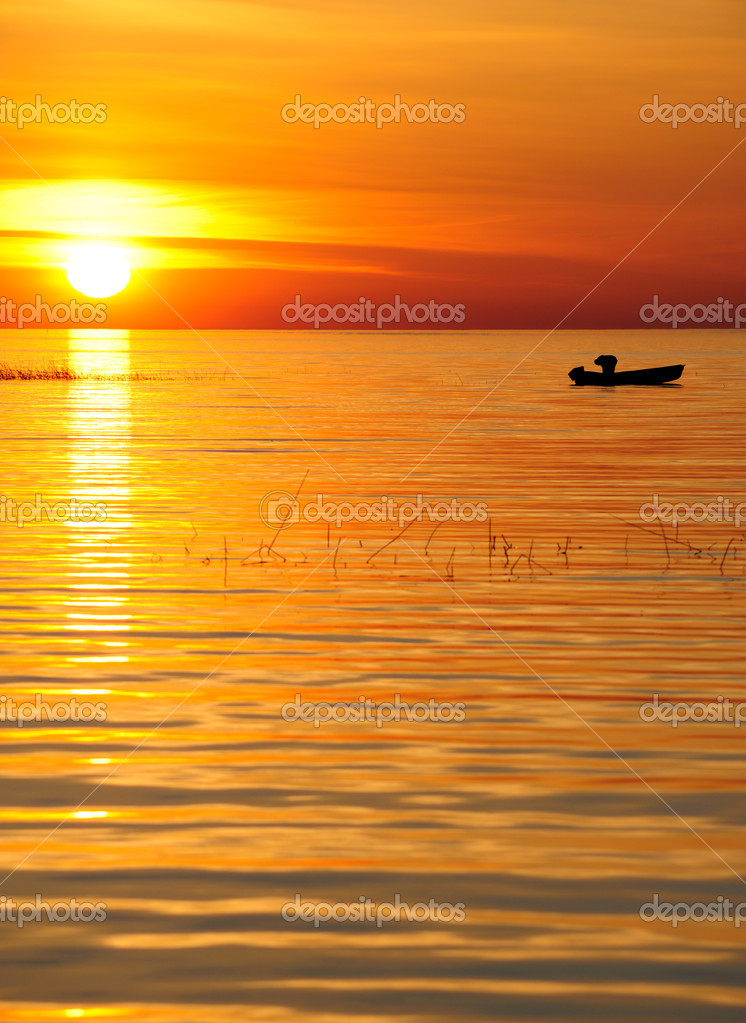Sunset on the big lake — Stock Photo #1242653