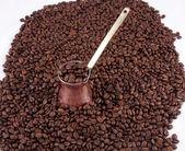 关于咖啡豆 cezve — Stockfoto