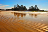 The beach on island during outflow — Stock Photo