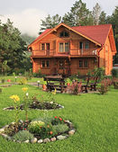 Wooden dwelling-house. — Stock Photo