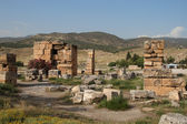 Ruins on ancient roman town Hierapolis — Stock Photo