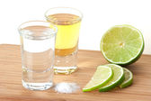 Blanc and Gold Tequila with lime and sal — Stock Photo