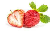 两个新鲜草莓 — 图库照片