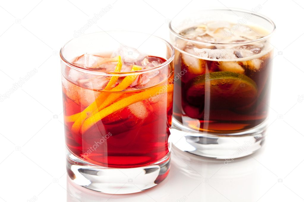 Alcohol cocktail collection - Negroni and Cuba Libre. Isolated on white background — Stock Photo #1849812