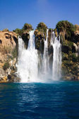 Beautiful waterfall — Stockfoto