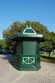 Green kiosk in a local park — Stock Photo