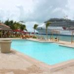 praia e navio tropical — Foto Stock