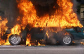 着火的汽车 — 图库照片