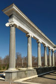 Ionic Colonnade of Lion Cascade. Peterho — Stock Photo