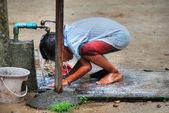 Child Bath, Changmai, Thailand, August 2 — Stock Photo