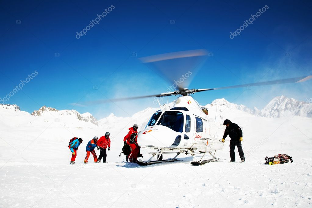 Heli Skiing Helicopter, Mont Blanc ski resort, France, Europe. — Stock Photo #1256670