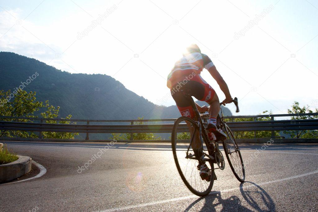 路骑单车 - 图库图片