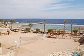 Beach at popular hotel, Sharm el Sheikh — Stock Photo