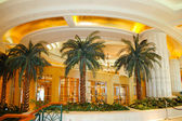Reception lobby area in luxury hotel — Stock Photo