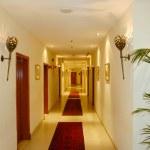 Corridor in luxury hotel, Dubai, UAE — Stock Photo