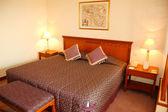 Bedroom in popular hotel, Dubai, UAE — Stock Photo