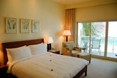 Apartment in luxury hotel, Dubai, UAE — Stock Photo