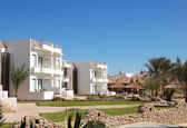 Villas at popular hotel, Sharm el Sheikh, Egypt — Stock Photo