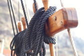 Ship tower, crows nest, ropes — Stock Photo