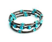 An azure bracelet isolated — Stock Photo