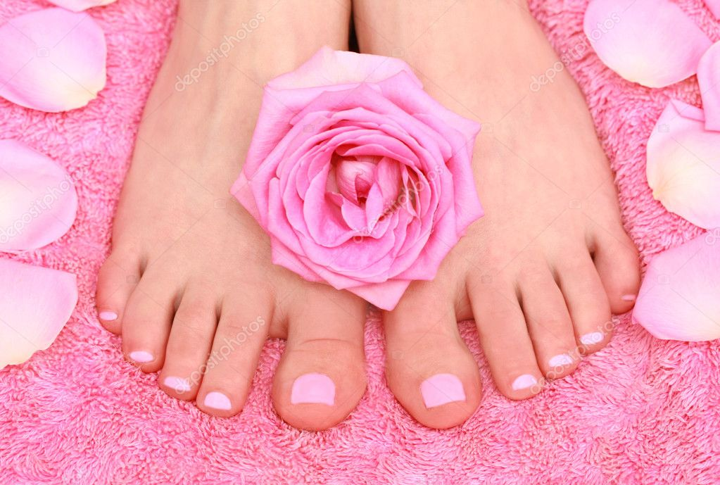Care for women's feet — Stock Photo #1263363