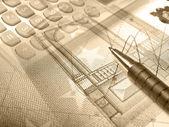 Grafik, Stift, Geld und Tastatur, collag — Stockfoto