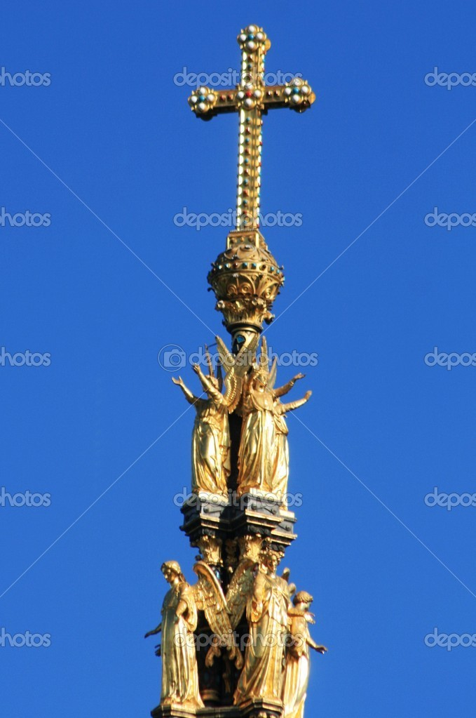 Atop the prince albert memorial — Stock Photo #1266466