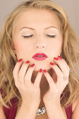 Beauty woman with red nail — Stock Photo