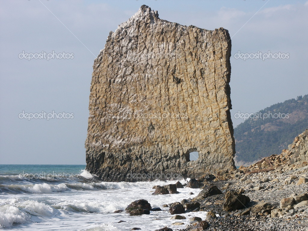 「帆岩 Sail Rock  ロシア」の画像検索結果
