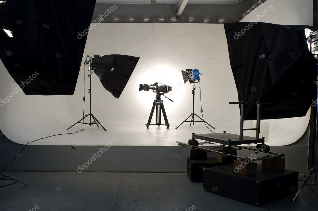 Studio light on location for movie scene. — Stock Photo #1307645