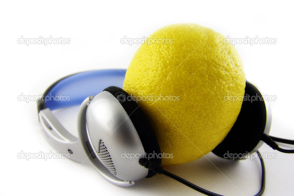 Lemon listen music — Stock Photo #1515882