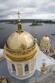 Gold domes of orthodox church (2) — Stock Photo