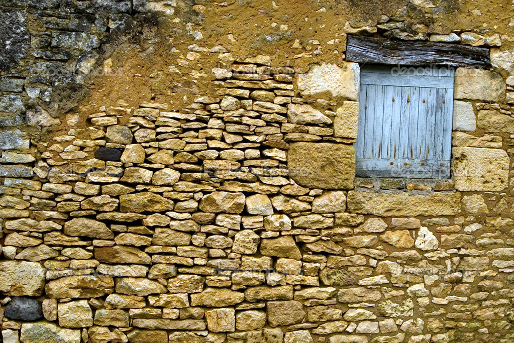 Vieux mur de pierre jaune avec fermer cette fen tre for Fermer la fenetre
