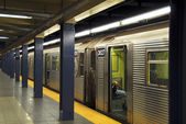 New York Subway Train Station — Stock Photo