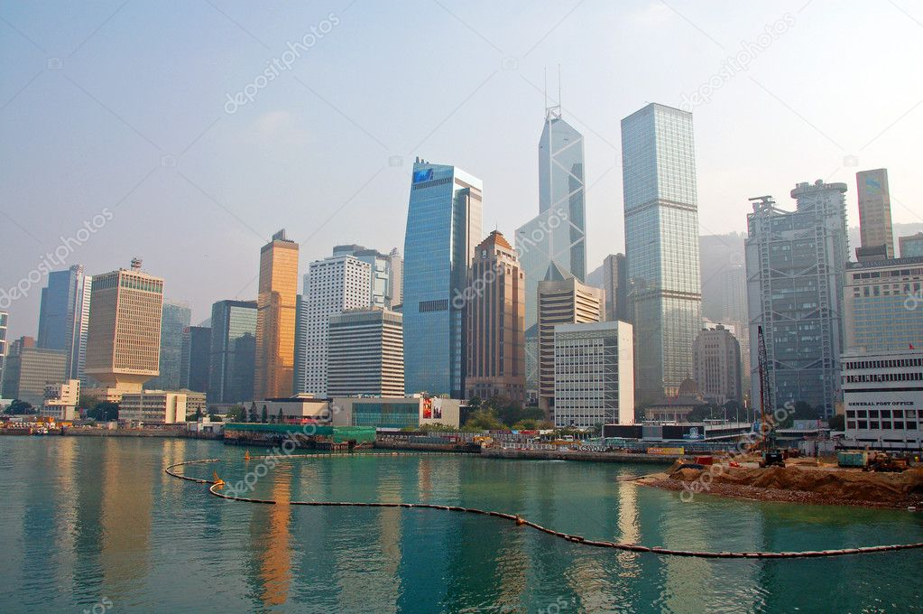 Skyscrapers in Hong Kong skyline glitterling at night — Stock Photo #1298813