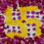 ������, ������: Rose petals swastika rangoli decoration