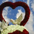 Valentine birds and rose flower heart — Stockfoto