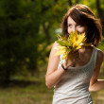Autumn portrait of young pretty woman — Stock Photo