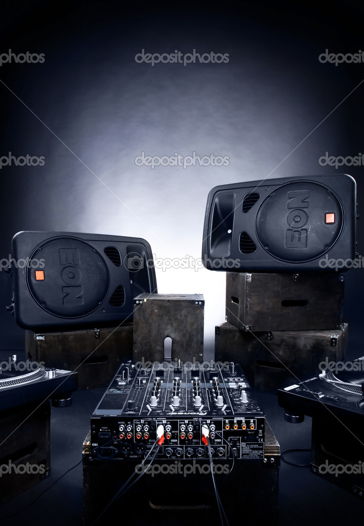 Big Speakers Wide  and audio mixer in studio — Stock Photo #1845880