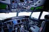 波音公司的内部,驾驶舱视图 — 图库照片