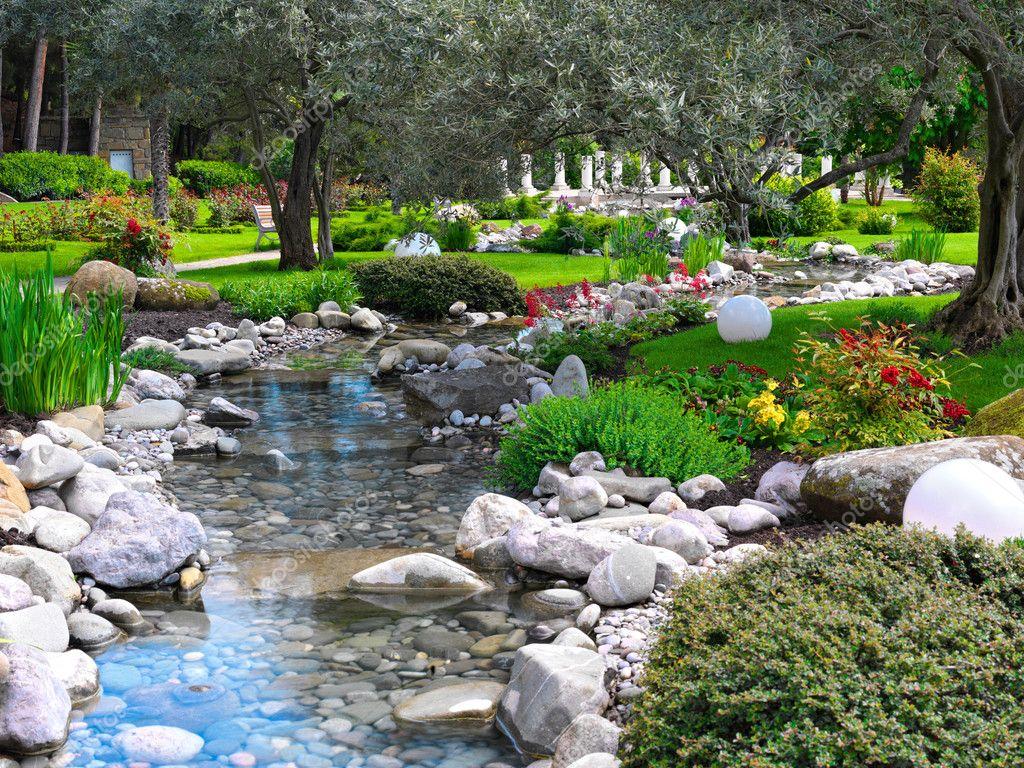 Fleurs de printemps dans le jardin asiatique photo 2078916 for Le jardin de xavier