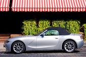 BMW Z4 luxury car in the city — Stock Photo