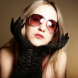 Fashion woman wearing sunglasses — Stock Photo