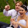 Newlywed with soap bubbles — 图库照片