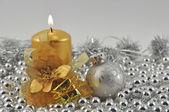 Brinnande ljus silver ball — Stockfoto
