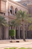 Courtyard of Emirates Palace — Stock Photo